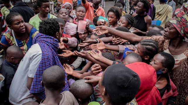 Foto: Potret Pengungsi Erupsi Gunung Nyiragongo di Kongo (155035)