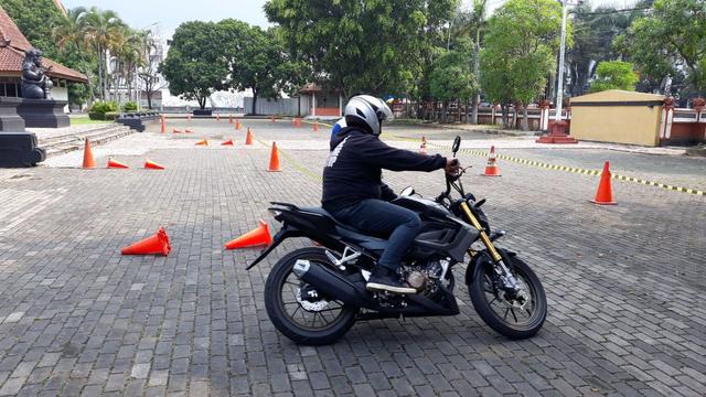 Motor Naked Sport All New CB150R Streetfire Hadir di Malang (503248)