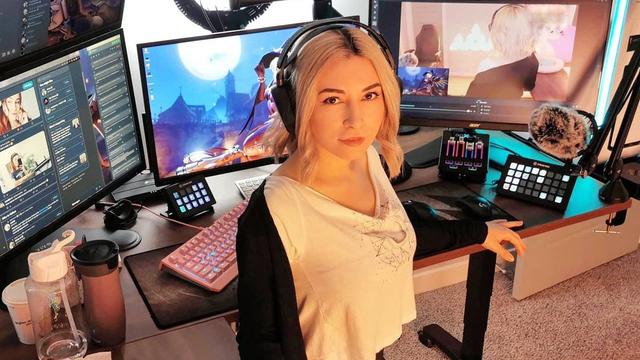 Gamer Bugil