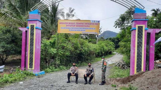 Tempat Wisata Di Aceh Besar Ditutup Tni Dan Polisi Jaga Pintu Masuk Kumparan Com