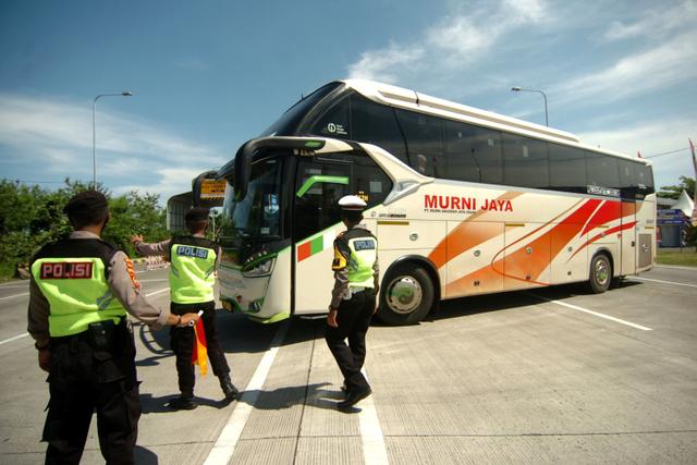 Ada Penyekatan 3 Jalan Arteri Perbatasan Jawa Tengah di Masa Idul Adha (95171)