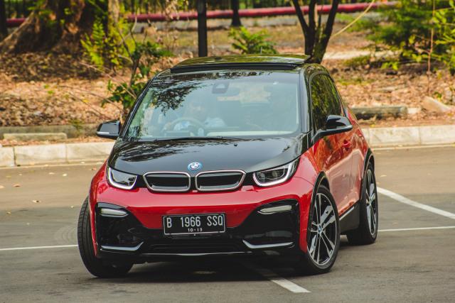 Mobil Listrik di Indonesia yang Jadi Incaran Orang Berduit  (121575)