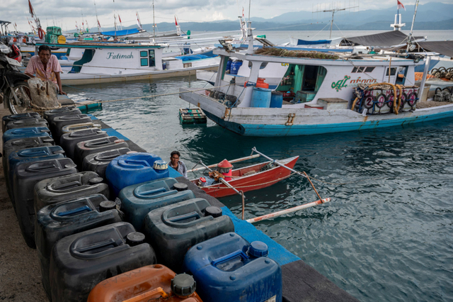 82 Persen Nelayan Tak Dapat Akses BBM Bersubsidi di Tengah Pandemi (412211)