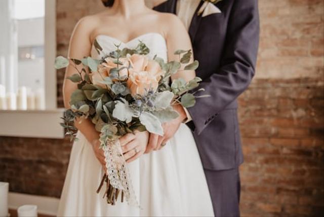 Biar Tak Kuras Bujet Pernikahan, Ini 9 Cara Memangkas Biaya Foto Prewedding  (23356)