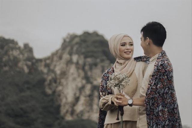 Biar Tak Kuras Bujet Pernikahan, Ini 9 Cara Memangkas Biaya Foto Prewedding  (23361)