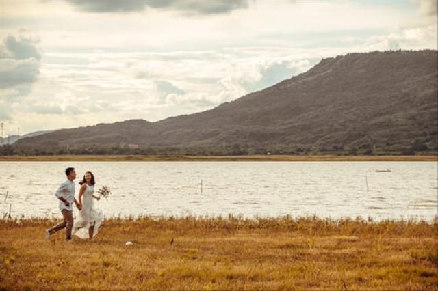 Biar Tak Kuras Bujet Pernikahan, Ini 9 Cara Memangkas Biaya Foto Prewedding  (23362)