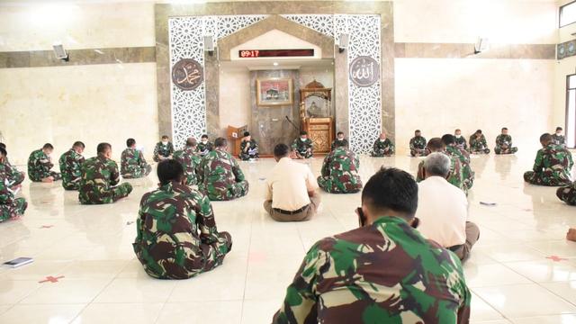 TNI AL Gelar Doa Bersama Serentak Peringati 40 Hari Gugurnya Kru KRI Nanggala (467400)