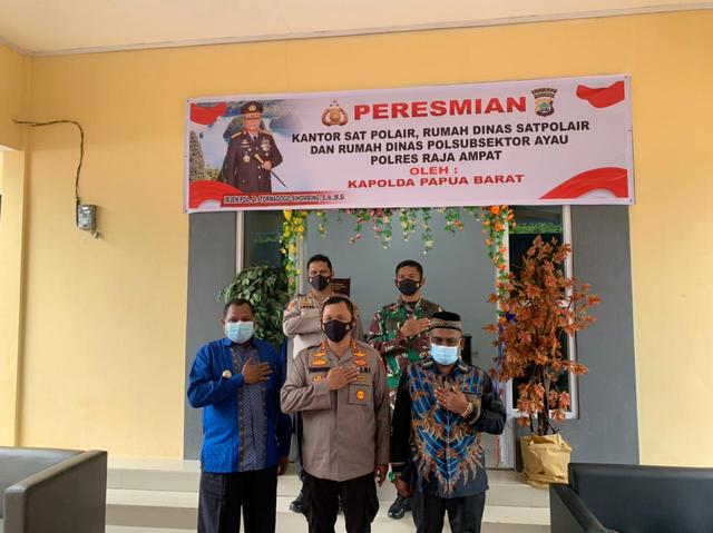 Kapolda Papua Barat Resmikan Rumah Dinas Pol Air di Raja Ampat (228118)