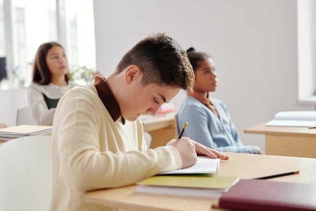 Kenali Tipikal Anak saat Belajar Berdasarkan Zodiaknya (40870)
