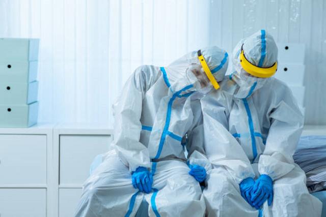 Mencegah Rumah Sakit Lockdown Akibat Tenaga Kesehatan Kelelahan (95722)