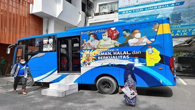 10 Bus Vaksin Keliling Kota Pekanbaru Sasar Pelosok Kampung (510413)