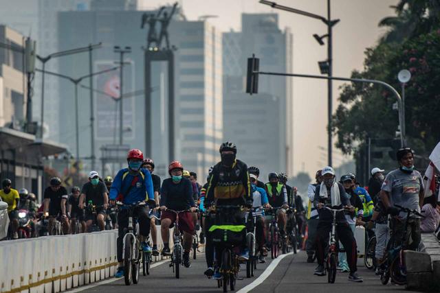 Ironis, Negara Maju Memuliakan, di Jakarta Jalur Sepeda Diusulkan Dibongkar (933858)