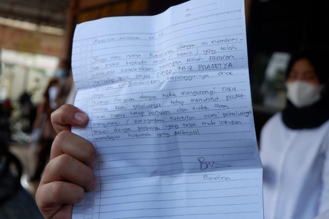 Surat Bandiman, Ayah Korban Sate Sianida Bantul, untuk Tersangka Nani (388005)