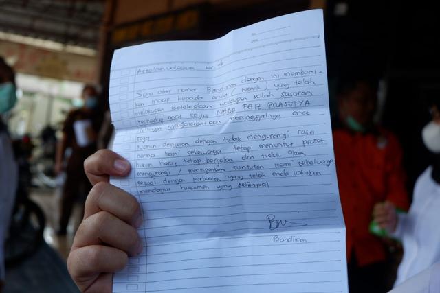 Surat Bandiman, Ayah Korban Sate Sianida Bantul, untuk Tersangka Nani (388006)