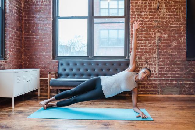 Yoga untuk Mengecilkan Perut, Berikut 5 Pose yang Terbukti Efektif (126837)