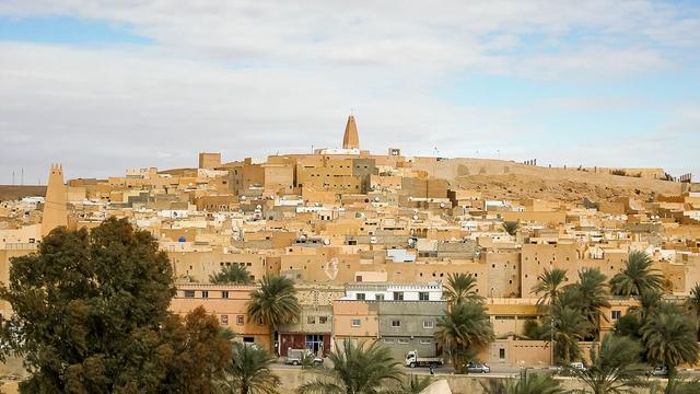 Kota-Kota Berbenteng di Pinggiran Gurun Sahara, Pentapolis Penantang Alam (32830)