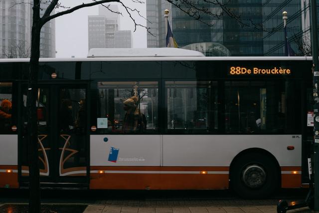 Didesak Kernet: Risiko Orang Muda Naik Bus (335977)