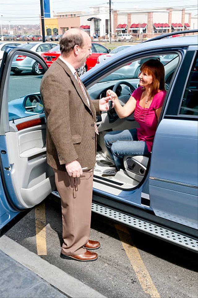 Daftar Merek Mobil yang Tak Begitu Diminati Para Pedagang Mobil Bekas  (25403)