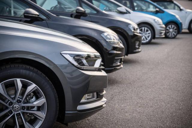 Daftar Merek Mobil yang Tak Begitu Diminati Para Pedagang Mobil Bekas  (25404)