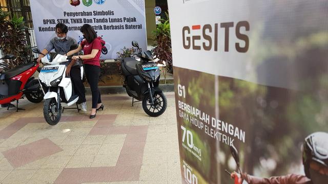 Gesits Jadi Motor Listrik Nasional Pertama yang Didaftarkan ke Samsat Kalbar  (126907)