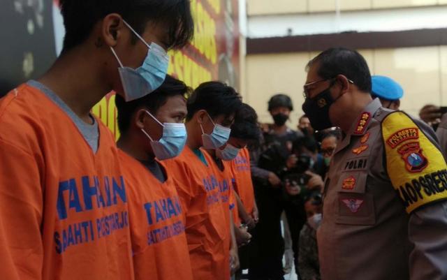 2 Buron Kasus Pengeroyokan Anggota TNI AL di Terminal Bungurasih Diringkus (143933)