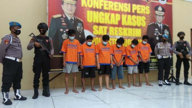2 Buron Kasus Pengeroyokan Anggota TNI AL di Terminal Bungurasih Diringkus (143934)