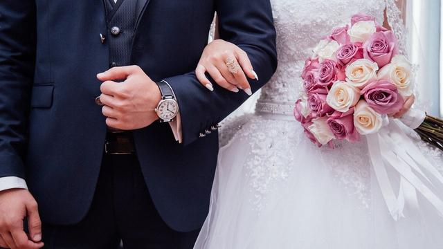 Mimpi Menikah dengan Orang Lain, Ternyata Artinya 'Dalam' Banget! (12604)
