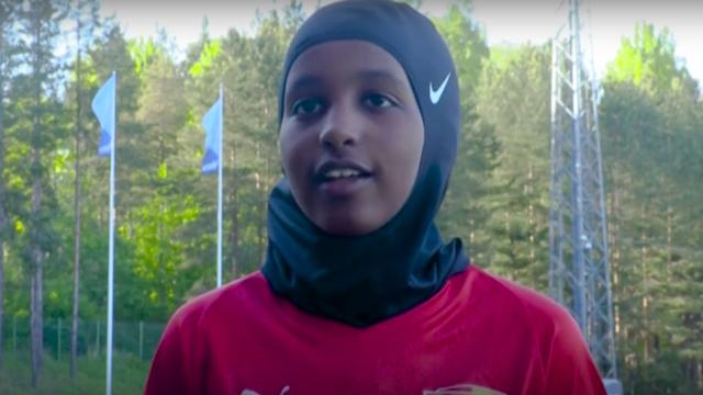 Asosiasi Sepak Bola Finlandia Membagikan Jilbab Olahraga Gratis (24393)