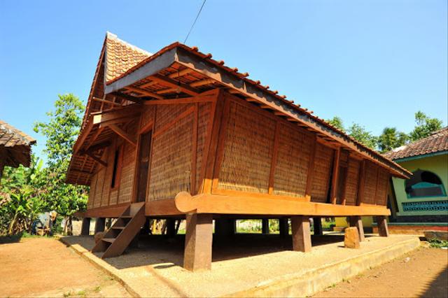 Rumah Adat Jawa Barat Jolopong, Wujud Arsitektur Masyarakat Sunda (166957)
