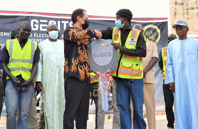 Bangga, GESITS Motor Listrik Anak Bangsa Resmi Mendarat di Senegal! (7094)