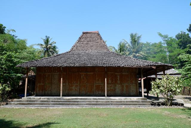 Rumah Adat Jawa Tengahan, Ini Dua Hunian Paling Khas (19895)