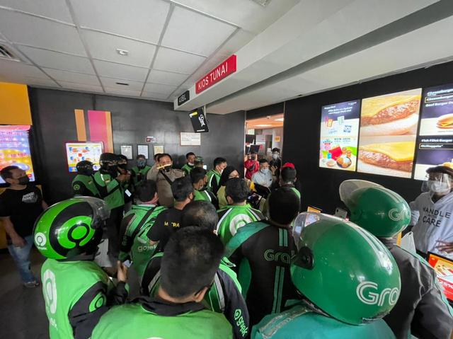 Grab Mengaku Telah Antisipasi Membeludaknya Pembelian BTS Meal McD  (129637)