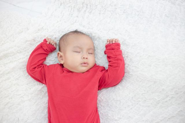 Perkembangan Bayi 2 Bulan, Si Kecil Sudah Bisa Apa Saja Ya? (238480)