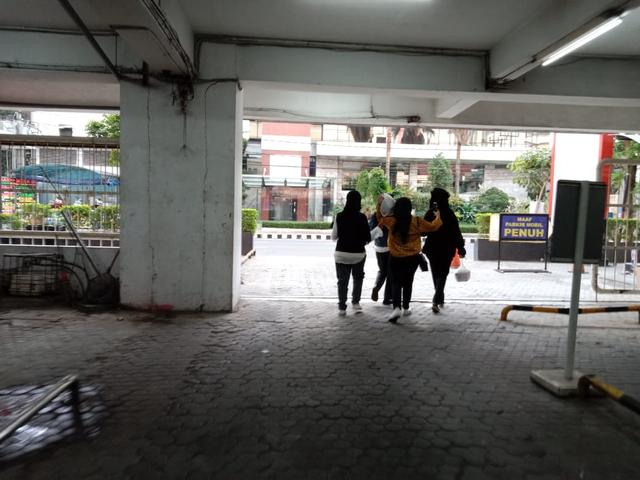 Demi Saus Cajun, ARMY Nganjuk Menanti 4 Jam demi BTS Meal di Basement Kediri Mal (467862)