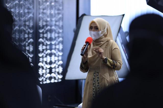Desainer dan Model Aceh Diingatkan untuk Selalu Tampilkan Identitas Daerah (453418)