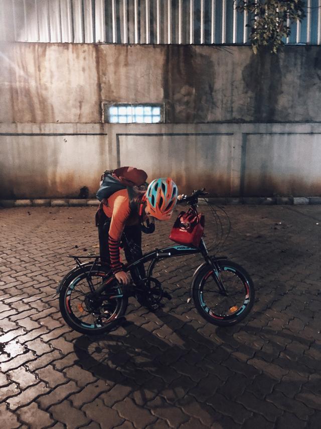 Perjuanganku Beli BTS Meal: Masuk Drive Thru Pakai Sepeda (326485)