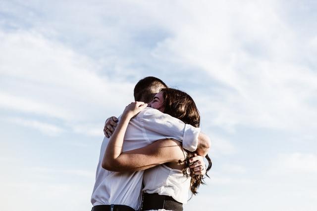 3 Zodiak yang Beruntung Menjalani Percintaan di Bulan Juni, Siapa Saja? (28533)