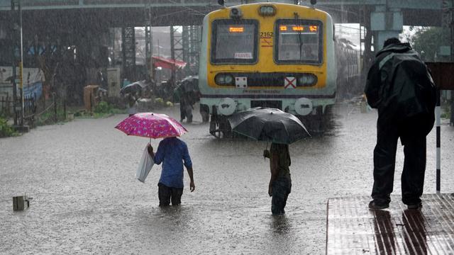 36 Orang Tewas Akibat Banjir dan Tanah Longsor di India (321247)