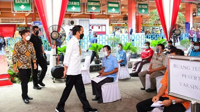 Jokowi Akhiri Peninjauan Vaksinasi Hari Ini di Pelabuhan Sunda Kelapa (93367)