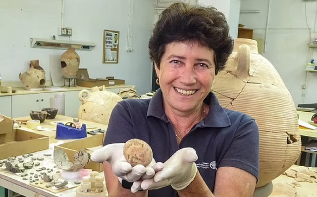 Israel Temukan Telur Ayam Usia 1.000 Tahun dari Periode Islam, Awet Sempurna (411)