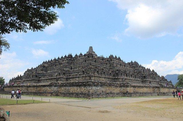 Penutup Stupa Candi Borobudur Dibuka Setelah 7 Bulan Ditutup (797617)