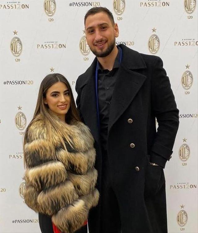 7 Bidadari Cantik Pasangan Pemain Bintang Timnas Italia di Euro 2020 (25066)