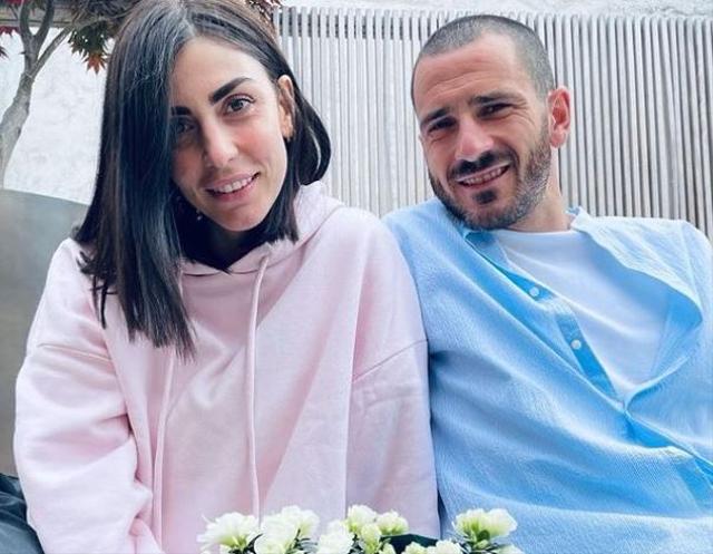 7 Bidadari Cantik Pasangan Pemain Bintang Timnas Italia di Euro 2020 (25067)