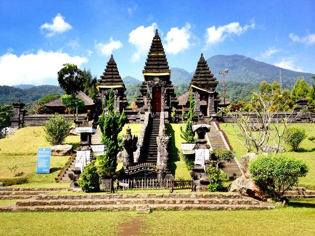 Tempat Wisata di Bogor, 5 Kawasan Ini Menarik Untuk Dikunjungi! (30068)