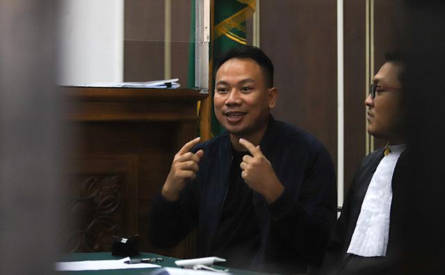 Vicky Prasetyo Dimintai Keterangan Terkait Laporannya terhadap Adik Angel Lelga (9638)