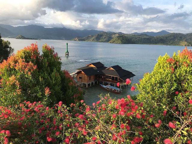 Resort Ini Tawarkan Sensasi Menginap di Tepi Pantai, Sumatera Barat (419315)