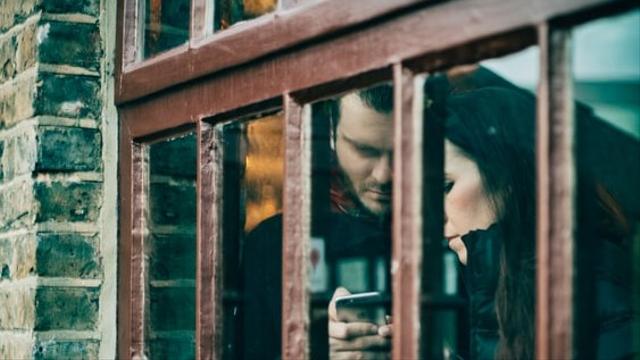 5 Tanda Pasangan Tak Lagi Peduli Perasaanmu (39966)