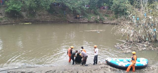 Seorang Remaja yang Hanyut di Sungai Belawan Ditemukan Tewas (171776)