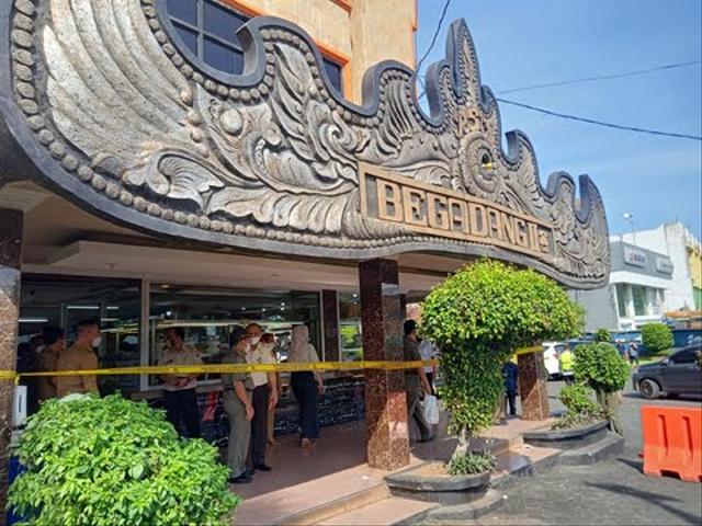 Tunggak Pajak di Bandar Lampung Disegel, Pengamat: Sudah Ditunggu Masyarakat (22427)