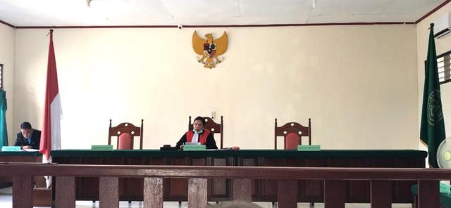 Majelis Hakim PN Kaimana Kabulkan Gugatan Praperadilan Tersangka Dana Haji (13772)